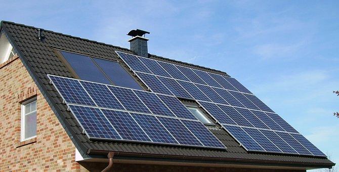 太陽光パネルと蓄電池を設置し3年目の感想「高額だったけど契約して良かった。7年後には利益がでそう」