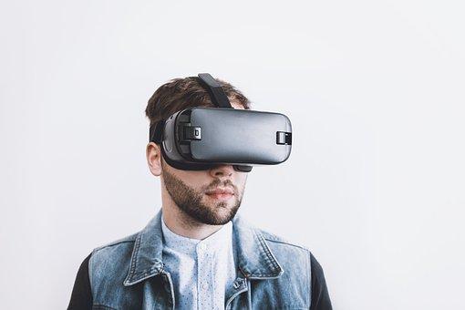 5Gで普及する家電はズバリこれだ!「スマホ用VRゴーグル」