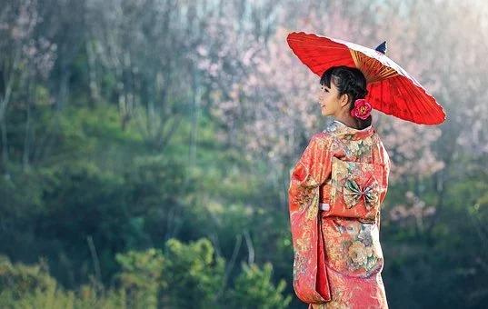 さっさと鎖国して袴姿で出社しろ「七五三で袴を着て思い出した体に流れる日本の血」